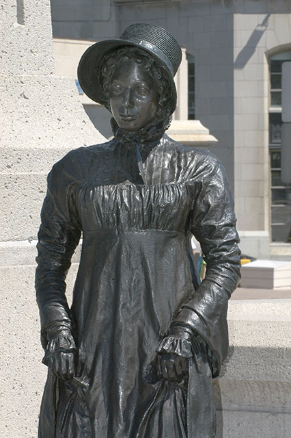 photo couleur statue Laura Secord Ottawa